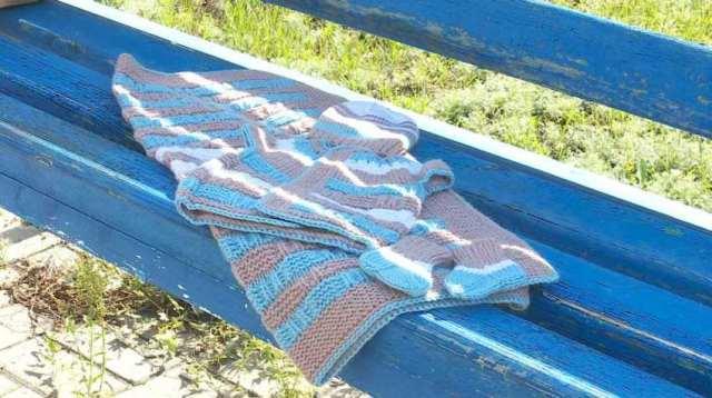 «28 петель»: Любители вязания создают комплекты одежды для недоношенных малышей в Костанае
