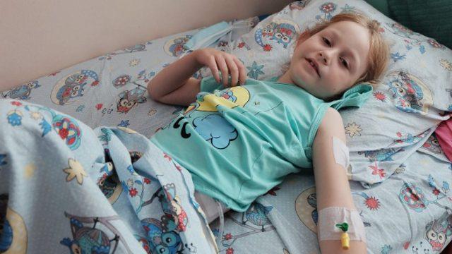 Казахстанскую девочку с двумя желудками успешно прооперировали в Челябинске