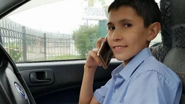 «Я не старею»: Мужчина из России в свои 32 года выглядит как 13-летний мальчик