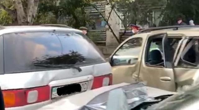ДТП в Костанае: Столкнулись три автомобиля