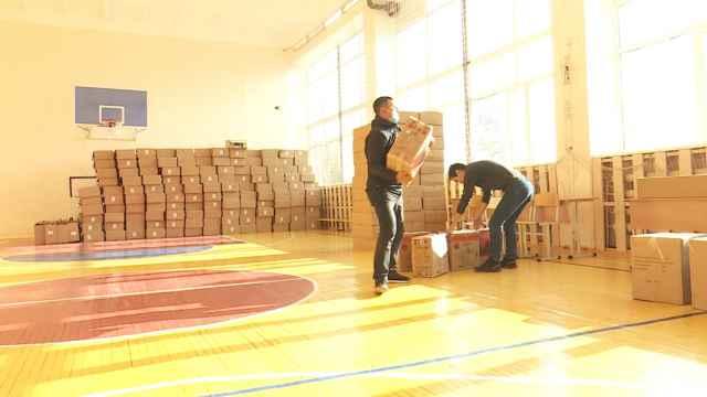 Более 600 компьютеров были переданы для школьников Аркалыка