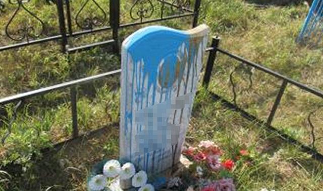 Школьники устроили погром на кладбище в СКО