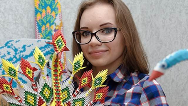 «Красиво!» Техникой оригами в совершенстве овладела сельчанка из Костанайской области