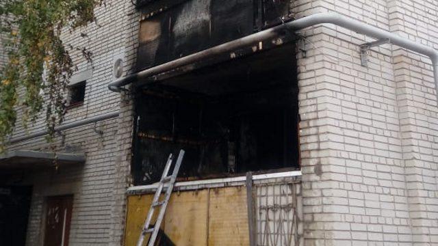 Трое детей отравились угарным газом при пожаре в Костанае. Эвакуированы 73 человека