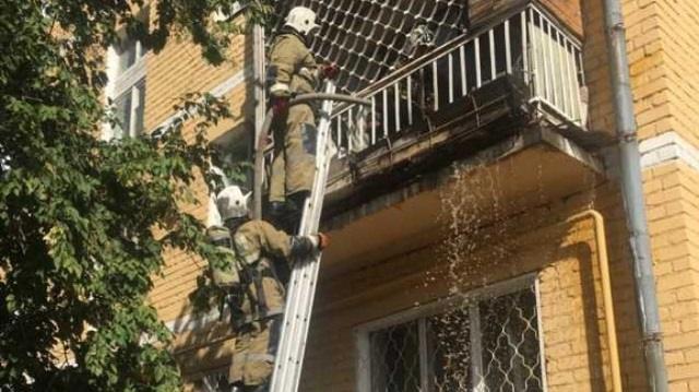 С пожаром на двух балконах многоэтажек справились огнеборцы Рудного