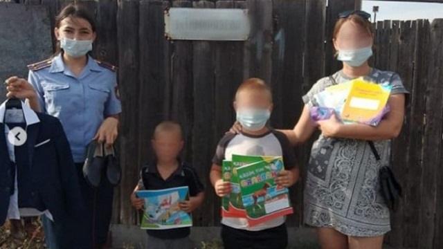 Сотрудники службы пробации города Рудного помогли собрать в школу детей осужденной