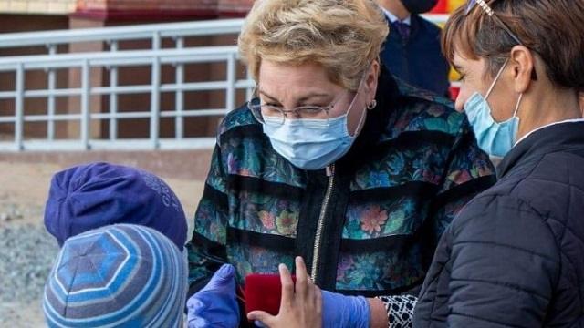 Дом-красавец по улице Восточной в Рудном принял 50 семей новоселов