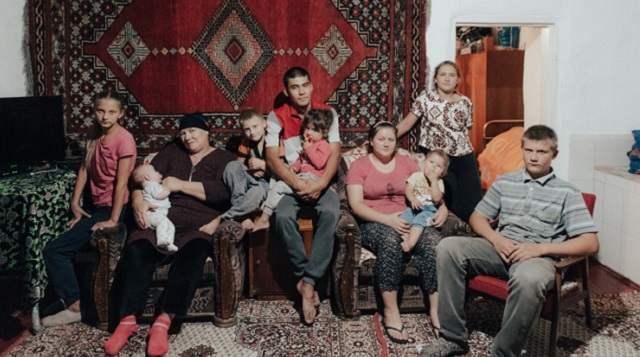 Воспитывают восемь детей. История счастливой семьи из Казахстана