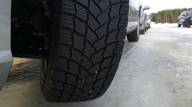 Какие шины лучше всего подходят для нашей непредсказуемой зимы