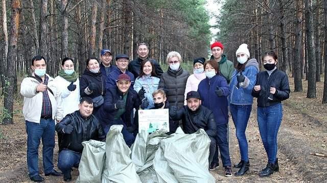 «За день природу не спасти!»: Студенты и преподаватели КРУ собрали 700 кг мусора в окрестностях Костаная