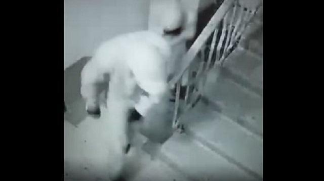 Видео: Подозреваемых в квартирной краже разыскивают в Костанае