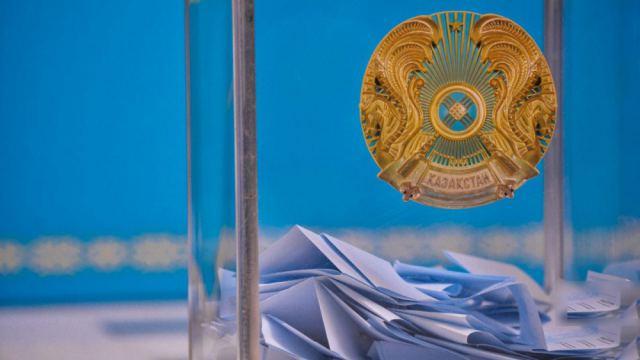 В Казахстане запретили приводить детей на избирательные участки