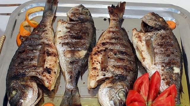 Пенсионерка объявила соседу войну из-за запаха жареной рыбы