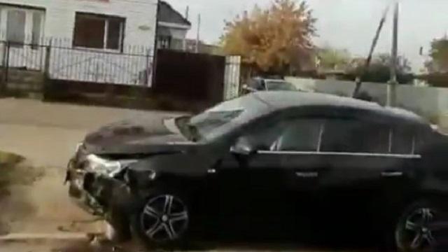 Видео: Две иномарки пострадали при столкновении в Костанае