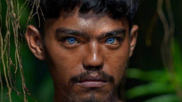 Людей с аномально синими глазами обнаружили на острове в Азии