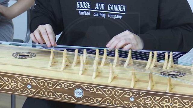 «Придает колорит»: Ансамбль из Костаная играет на редких казахских инструментах