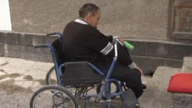 Видео: Инвалид из Кентау 13 лет не может добиться компенсации