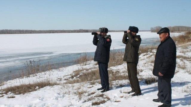 «В преддверии зимы»: Сотрудники ЧС Костаная напоминают об угрозе тонкого льда