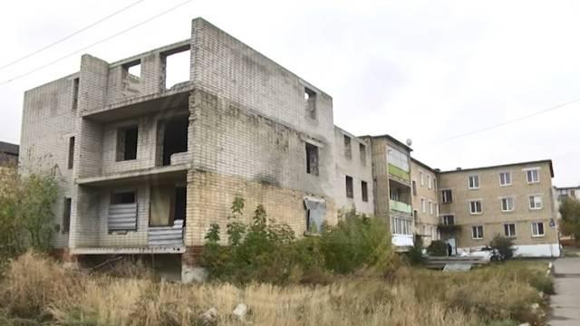 Заброшенный дом, где несколько лет назад погиб подросток, намерены закрыть в Лисаковске