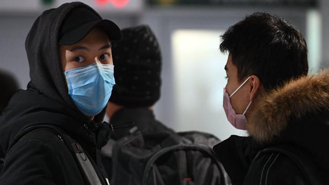 Обязательное ношение медицинских масок на улице предписали жителям Костанайской области