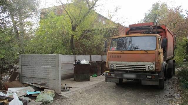 В Усть-Каменогорске найден труп женщины в мусорном баке