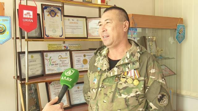 «Люблю работать с детьми»: Лучший учитель Казахстана преподает в городе Тобыл
