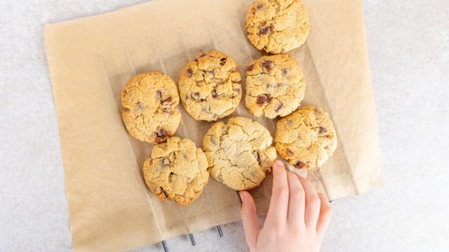 В Казахстане популярное печенье запретили из-за ГМО