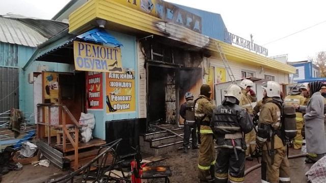 «Горело открытым огнем»: Подробности пожара на Центральном рынке Костаная