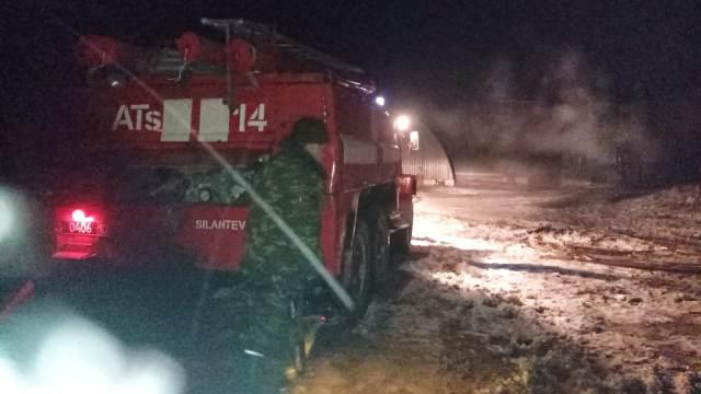 Пожар на зерноочистительном комплексе тушили несколько часов в Костанайской области