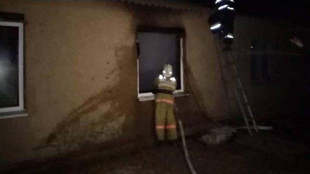 16-летняя школьница вынесла троих детей из горящего дома в Западном Казахстане