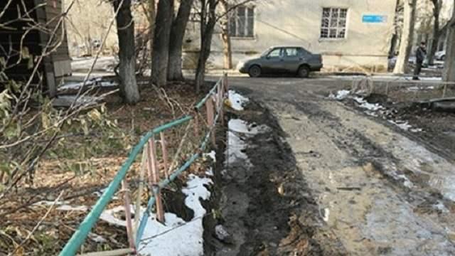 Жители Костаная возмущены затянувшимся ремонтом дорог