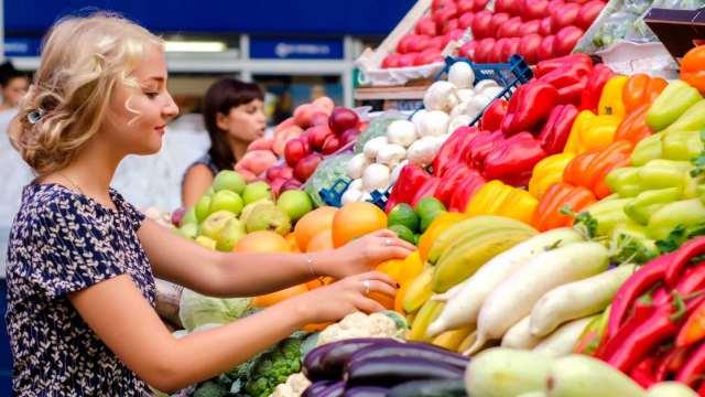 Какие продукты самые опасные для употребления в летнее время
