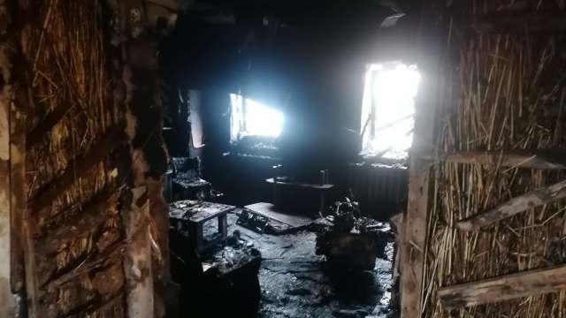 Ранним утром в Тобыле сгорел дом. Погорельцы просят о помощи