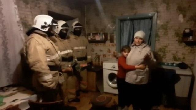 Видео: В ВКО 10-летний ребенок застрял в барабане стиральной машины