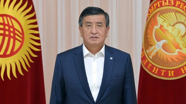Президент Кыргызстана Сооронбай Жээнбеков уходит в отставку