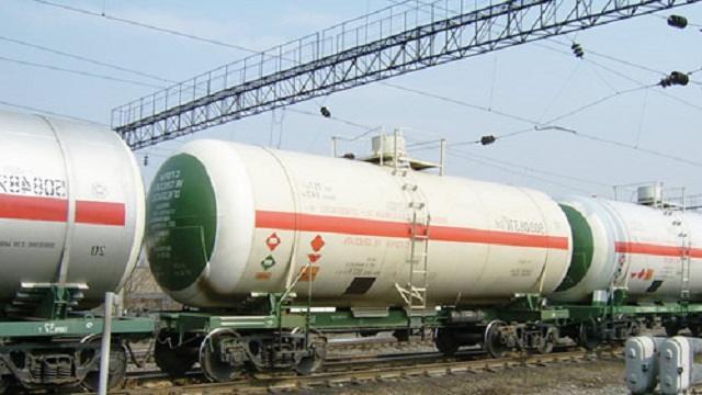 Временный запрет на ввоз бензина введен в Казахстане