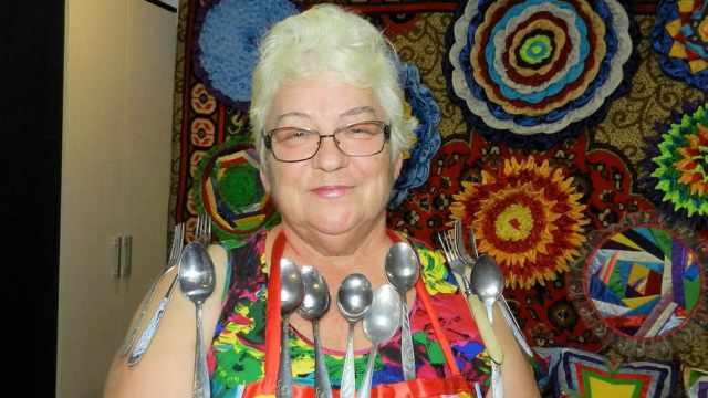 Женщина-магнит из Казахстана открыла в себе новый дар