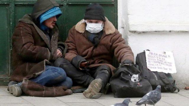 Видео: Стражи порядка из города Тобыл помогли бездомному