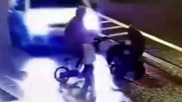 Иномарка сбила мать с двумя детьми на нерегулируемом перекрестке в Петербурге
