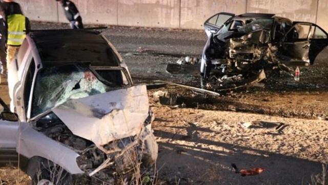 В страшном ДТП на трассе под Алматы погиб пассажир иномарки