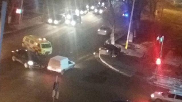ДТП в центре Костаная: Столкнулись два автомобиля
