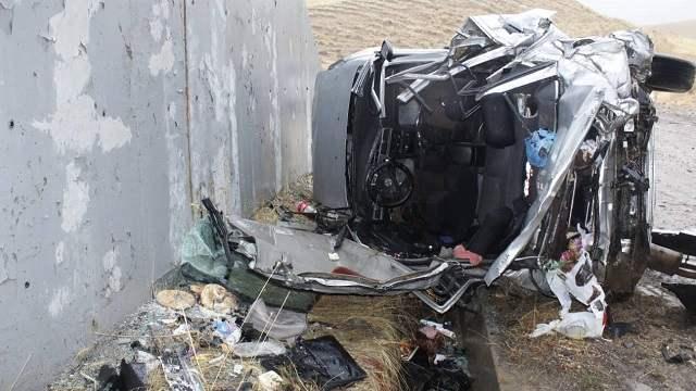 Грудной ребенок погиб в страшном ДТП на трассе в Казахстане