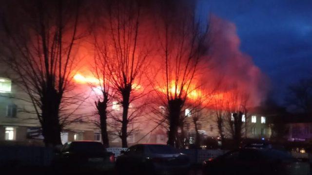 Видео: Загорелась районная больница в посёлке Фёдоровка Костанайской области