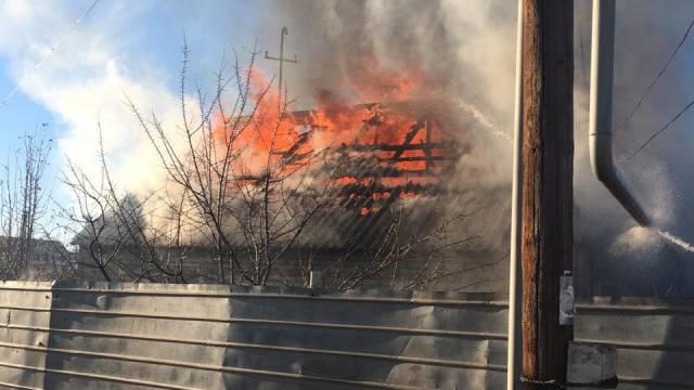 Два человека погибли при пожаре в Рудном