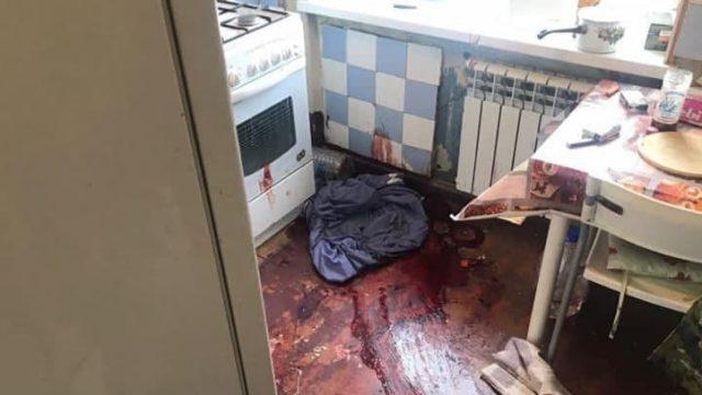 «В луже крови»: Мать обнаружила дочь мертвой
