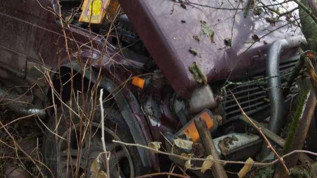 «Хотел поучиться ездить»: 14-летний подросток угнал и разбил за сутки три соседских машины