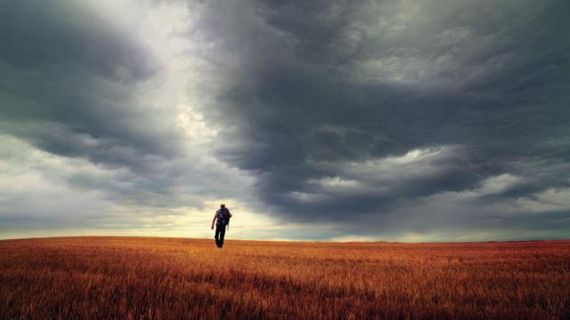 Казахстанец устроил хаос в поселке и едва не покончил с собой