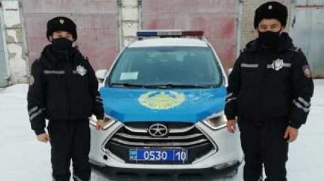 Молодая девушка из Тобыла пыталась покончить с собой. Спасли полицейские