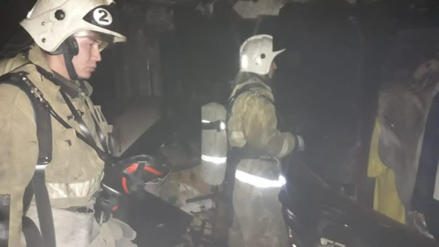 Пожары в пятиэтажках Аркалыка и Рудного: 30 человек эвакуированы
