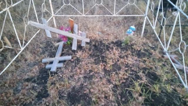 «Из хулиганских побуждений»: Дети из благополучных семей разгромили кладбище
